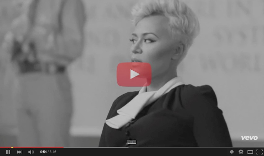 Emeli Sande – Clown - Hollie Lacayo stylist