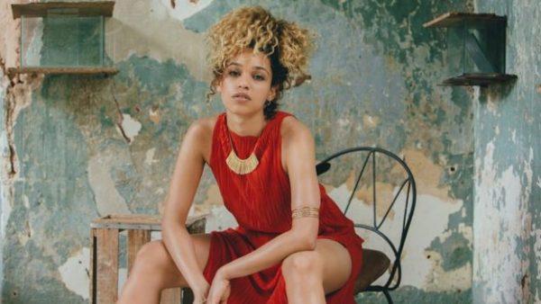 Izzy Bizu | Photographer Alex de Mora | Fashion Stylist Hollie Lacayo
