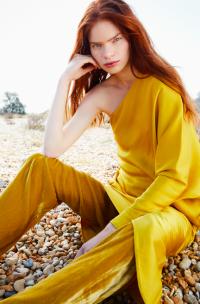 Frow Magazine | Photographer Zoe Economides | Fashion Stylist Hollie Lacayo